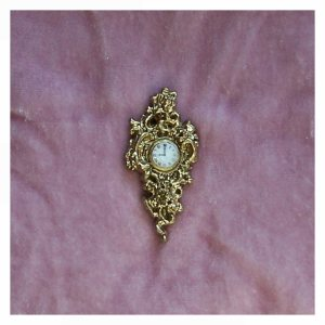open_house_miniatures_three_cinderella_cartel_clocks_crushed_pink_velvet